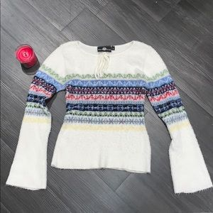 Sweater with small bell sleeves